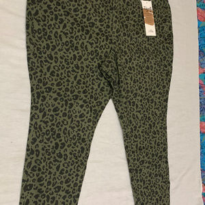 ROYALTY FOR ME ANIMAL PRINT MID RISE SKINNY 24W
